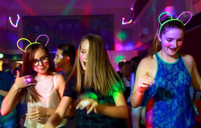 UV-Glow-Party-Gallery-1-700×445-min